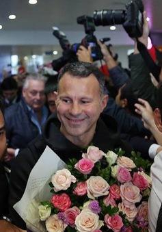 2 cựu danh thủ của Manchester United Ryan Giggs và Paul Scholes đã đến Việt Nam