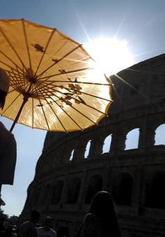 Nắng nóng kỷ lục tại châu Âu, nhiệt độ lên tới 44 độ C