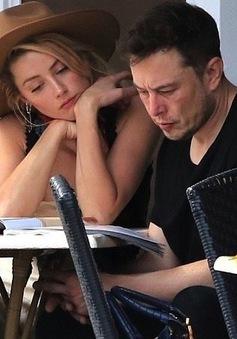 Tỷ phú Elon Musk không trở lại với vợ cũ của Johnny Depp