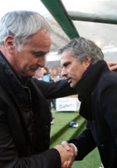 Mourinho an ủi Ranieri sau quyết định sa thải của Leicester