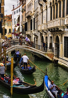 Quy định cấm đối với du khách khi tới Venice