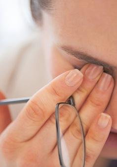 Mẹo đơn giản giúp giảm khô mắt