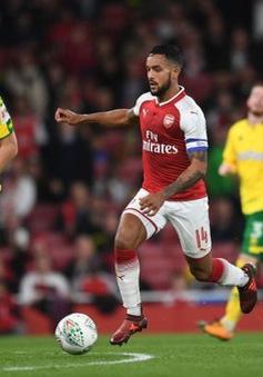 """Đã đến lúc """"thần đồng"""" bóng đá Anh cần rời Arsenal"""