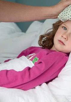 Những điều cần tránh khi trẻ bị sốt