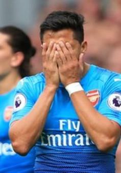 Alexis Sanchez bị cầu thủ Arsenal trêu chọc sau khi đến hụt Man City