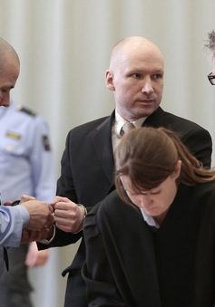 Na Uy giữ nguyên án biệt giam đối với kẻ giết người hàng loạt Breivik