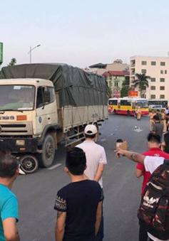 Hà Nội: Người đàn ông bị ô tô tải cuốn vào gầm xe tử vong