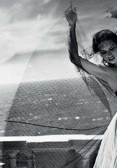 Adriana Lima đẹp tuyệt vời trên Harper's Bazaar