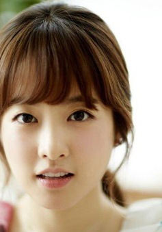 """""""Người tình"""" Song Joong Ki từng bị bạn bè bắt nạt chỉ vì lý do này"""