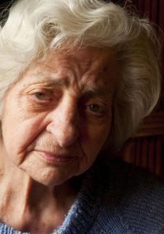 Nói chuyện một mình giúp ngăn ngừa bệnh Alzheimer