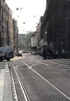 Hà Lan phong tỏa trung tâm Amsterdam do phát hiện chất nổ