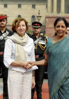 Ấn Độ và Pháp tăng cường hợp tác quốc phòng