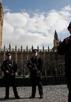 Anh và Italy siết chặt an ninh
