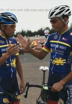 Tình anh em trên đường đua tại giải xe đạp quốc tế VTV Cúp Tôn Hoa Sen 2017