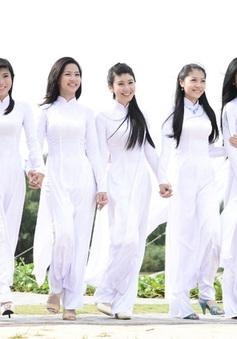 TP.HCM: Yêu cầu nữ sinh mặc áo dài vào ngày đầu tuần