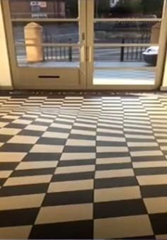 Dùng ảo giác để ngăn chạy nhảy trong hành lang