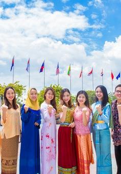 Ấn tượng bộ ảnh diện quốc phục các nước Đông Nam Á của đại diện Việt Nam tại SSEAYP 2017