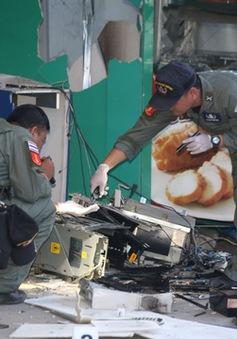 Thái Lan: Cho nổ tung máy ATM để cướp tiền