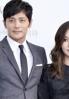Vợ chồng Jang Dong Gun và bà xã dự lễ nhập học của con trai