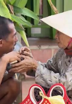 Nỗi lòng người mẹ 53 năm nuôi con tâm thần