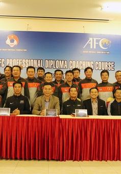 Nhiều HLV Việt Nam hoàn thành khóa đào tạo HLV bóng đá chuyên nghiệp AFC 2017