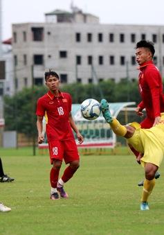 HLV Hoàng Anh Tuấn cảnh báo học trò khi để thua đậm CLB Hà Nội trong trận đấu tập