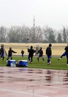 Quyết giành điểm trước Afghanistan, ĐT Việt Nam đội mưa luyên tập