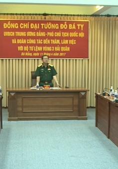 Đoàn giám sát Quốc hội làm việc với Bộ Tư lệnh vùng 3 Hải quân