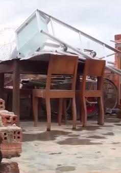 Khánh Hòa: Khẩn trương hỗ trợ người dân xây dựng lại nhà bị sập do bão số 12