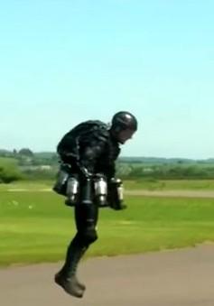 Richard Browning phá vỡ kỷ lục bằng bộ đồ bay thử nghiệm