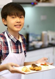 """Cậu bé 14 tuổi trở thành siêu đầu bếp với """"thầy giáo"""" Internet"""