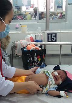 Miền Nam lạnh đột ngột, làm gì để bảo vệ sức khỏe cho trẻ?