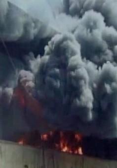 Cháy xưởng sản xuất nhựa tại Ấn Độ, ít nhất 2 người thiệt mạng