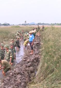 Thanh Hóa: Bộ đội giúp dân ổn định cuộc sống sau mưa lũ