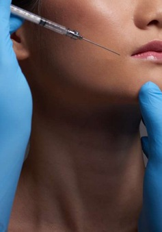 Sinh viên Trung Quốc đổ xô phẫu thuật thẩm mỹ để tìm việc làm