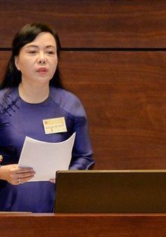 Bộ trưởng Bộ Y tế Nguyễn Thị Kim Tiến trả lời chất vấn trước Quốc hội