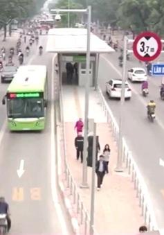 Phải trả tiền mua vé, khách đi xe bus nhanh vẫn tăng 12%.