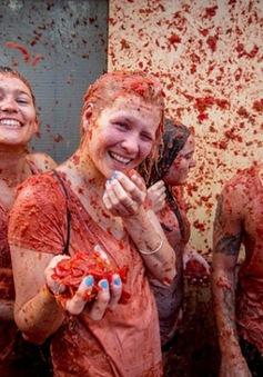 Sôi động lễ hội ném cà chua tại Tây Ban Nha