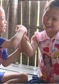 Cặp lá yêu thương: Hai gia đình khốn khó ở Kiên Giang