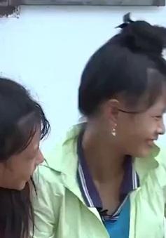 Cặp lá yêu thương: Nước mắt và nụ cười