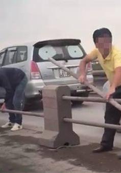 """Đề nghị xử nghiêm tài xế """"xé rào"""" né CSGT trên cầu Thanh Trì"""