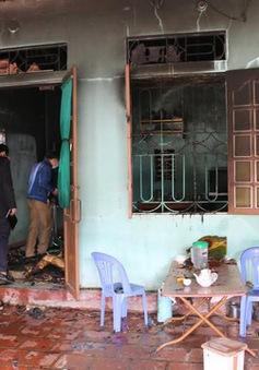 Cháy cửa hàng tạp hóa, 2 bố con tử vong