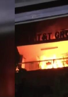 Cháy nhà 7 tầng giữa trung tâm TP.HCM
