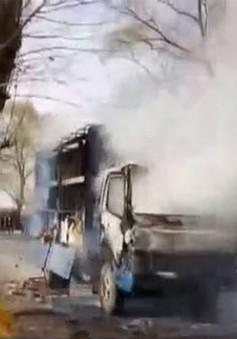 Hai vợ chồng dũng cảm lái xe bốc cháy ra xa khu dân cư