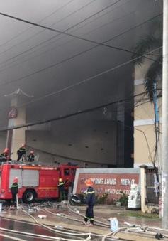 Vụ cháy lớn ở Cần Thơ: Lửa bùng phát trở lại, sơ tán dân trong đêm