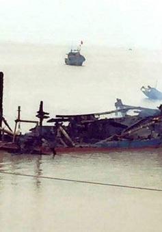 Ba tàu cá của ngư dân Thanh Hóa bị cháy rụi trong khu vực neo đậu