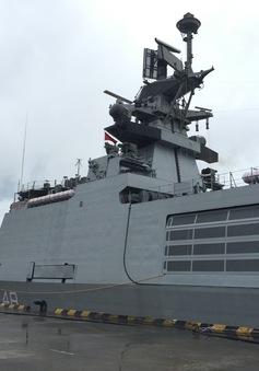 Cận cảnh tàu hộ tống tàng hình của Ấn Độ cập Cảng Hải Phòng
