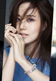 Moon Chae Won sánh đôi cùng hai tài tử điển trai Cho Seung Woo và Ji Sung
