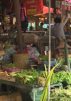 70% người tiêu dùng vẫn tìm đến chợ tạm bởi thói quen