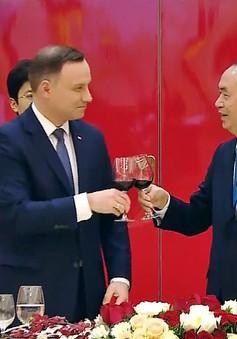 Chủ tịch nước chiêu đãi trọng thể Tổng Thống Ba Lan